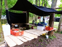 Kochtisch beim Rela